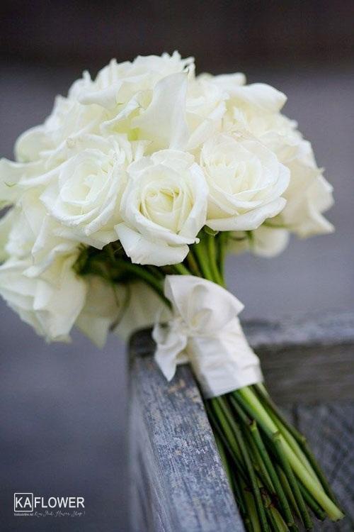 Tặng hoa hồng trắng có ý nghĩa gì ?
