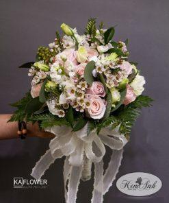 hoa cô dâu cầm tay