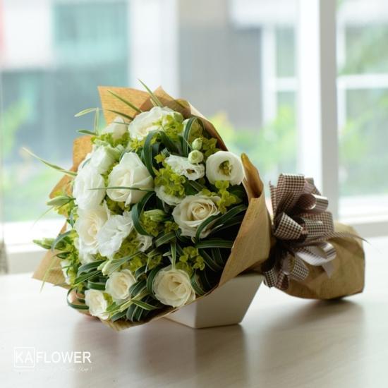 bó hoa hồng trắng đẹp