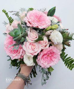 Hoa cầm tay cô dâu Vườn Tình Yêu