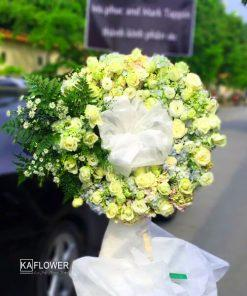 Vòng hoa tang lễ Hồng Phai